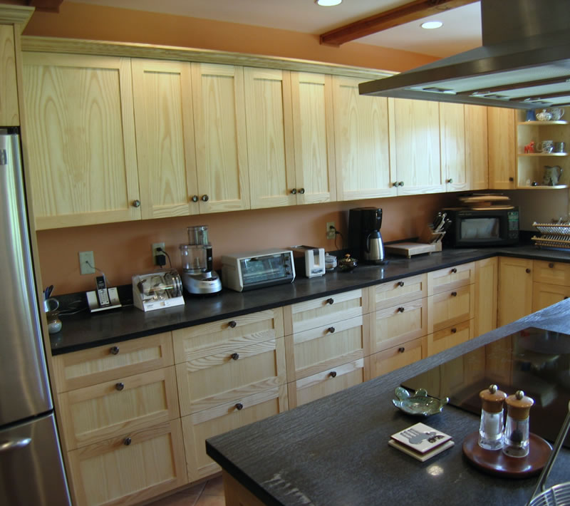 Jim picardi cabinetmaker fine woodworking design for Building traditional kitchen cabinets by jim tolpin